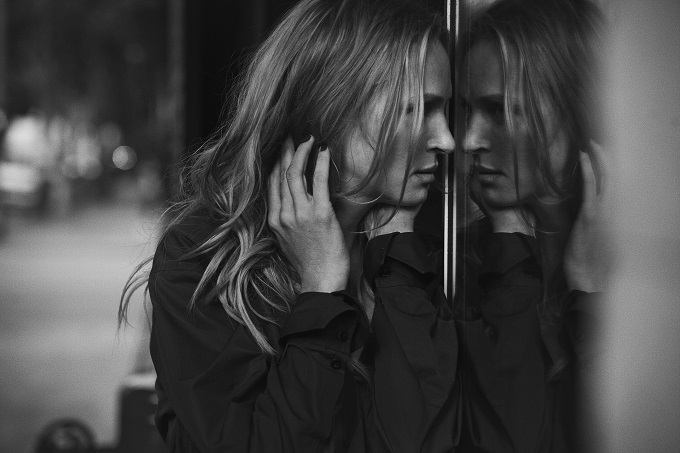Uma Thurman, Los Angeles, USA, 2011 Vogue Italia © Peter Lindbergh (Courtesy of Peter Lindbergh, Paris / Gagosian Gallery)