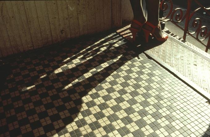 Arlene Gottfried, Red Shoes © Arlene Gottfried/ Courtesy Les Douches la Galerie Paris