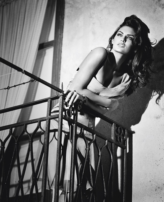 Vincent Peters Alyssa Miller Sicily, 2011 from the book Personal Photo © Vincent Peters