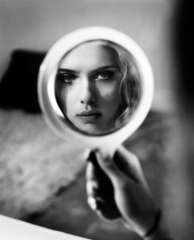 Scarlett Johansson Reflection New York 2013 copyright and copyright Vincent Peters