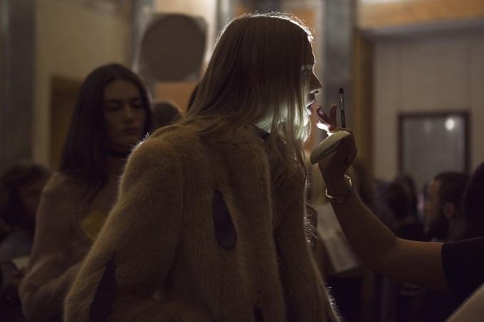 Backstage • Milano Moda Donna SS 2017 AU JOUR LE JOUR