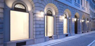 ISSEY MIYAKE annuncia l'apertura della sua prima boutique in Italia.