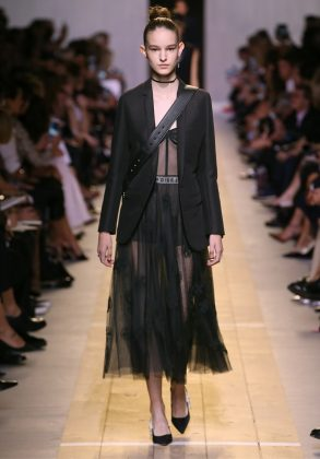 Dior Fashion Show Ready-to-wear Collection Spring Summer 2017 Paris