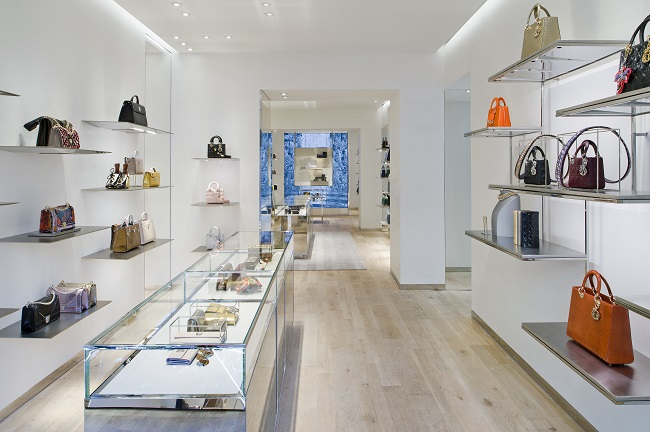 DIOR annuncia l'ampliamento della Boutique a Roma dove troverà posto anche la collezione homme disegnata da Kris van Assche.