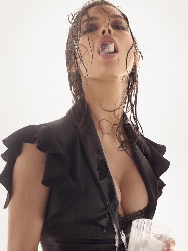 Irina Shayk per la nuova campagna primavera estate di Alberta Ferretti, immortalata da Steven Meisel.