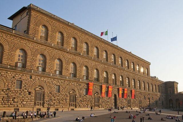 Tornano le sfilate nella Sala Bianca di Palazzo Pitti
