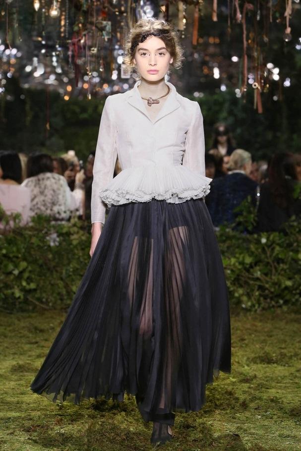 Il debutto di Maria Grazia Chiuri nell'Haute Couture di Dior © Adrien Dirand