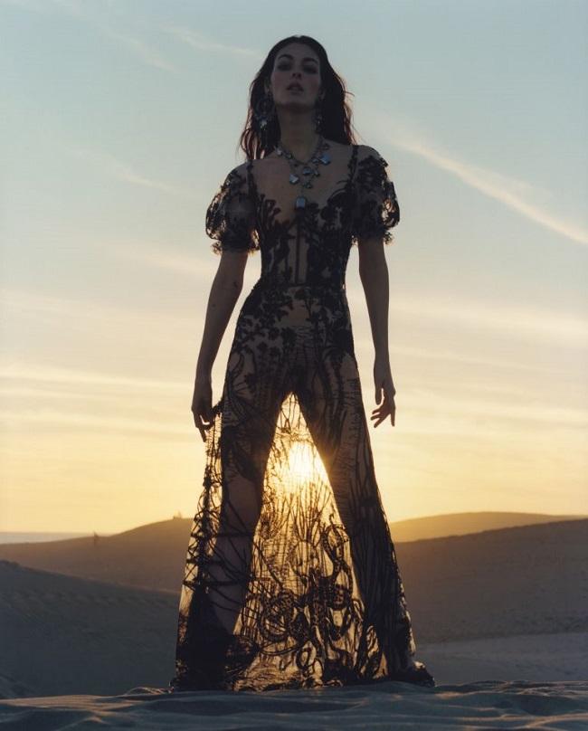 Alexander McQueen S/S 2017: Vittoria Ceretti by Jamie Hawkesworth
