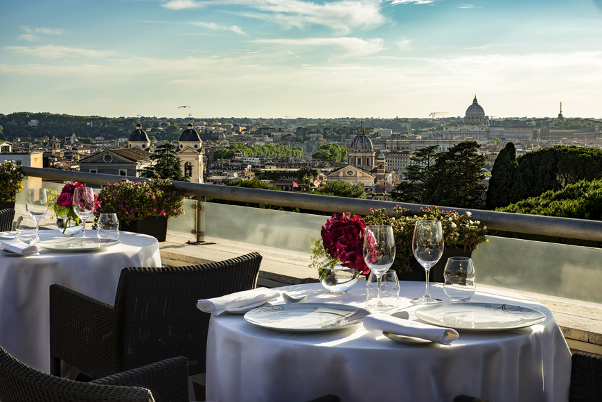 Il Sofitel Rome Villa Borghese si tinge di rosa