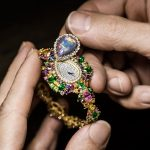 Dior, il savoir-faire che si cela dietro l'orologio Majestueuse Opale