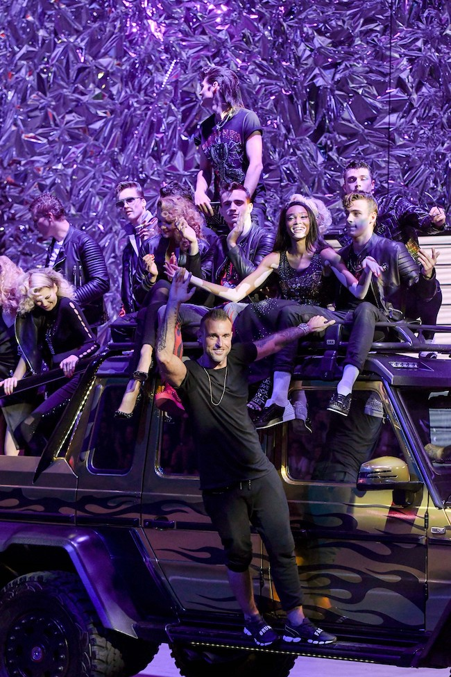 Philipp Plein, alla sfilata va in scena «Grease»