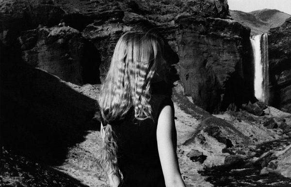 Alexander McQueen Campagna AI 2017: gli scatti di Jamie Hawwkesworth