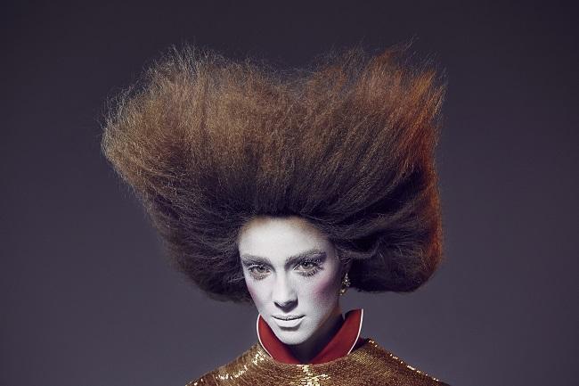 Max Weber trasforma Nathalie Edenburg in Maria Antonietta per Vogue Brasil fashionpress