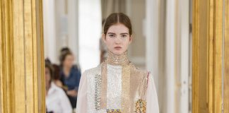 Paris Haute Couture: Schiaparelli e la moderna leggerezza