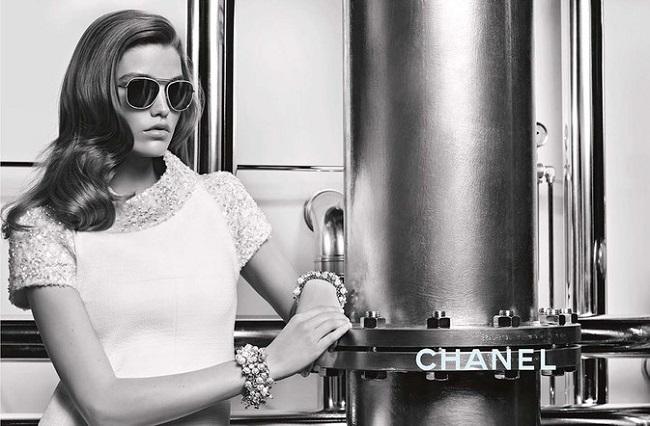 Chanel Occhiali Autunno‑Inverno 2017.18: Luna Bijl by Karl Lagerfeld