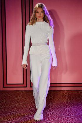 Unapalette di colori eclettica: una importante novità cromatica quella cheBrandon Maxwell ha presentata alla New York Fashion Week.