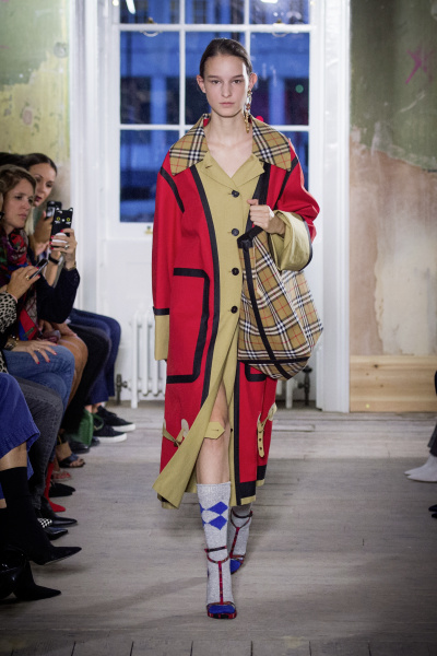 Burberry sfila alla Old Sessions House
