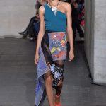 Le nuove eroine di Roland Mouret fashionpress.it