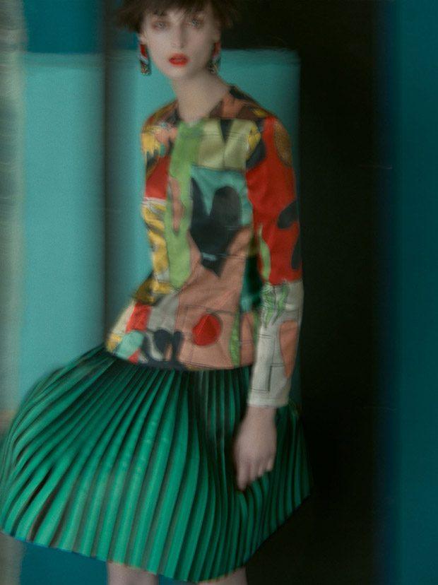 Il talento della fotografia Sarah Moon per la campagna stampa primavera-estate 2018 diGiorgio Armani.