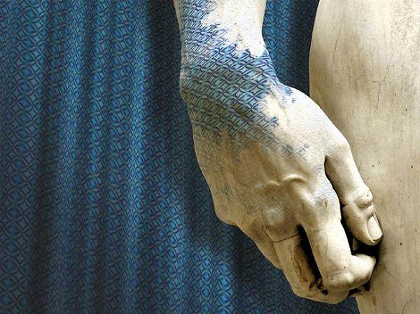 """Lanificio Luigi Ricceri presenta""""Fabric is Art"""", Video Installazione di Felice Limosani"""
