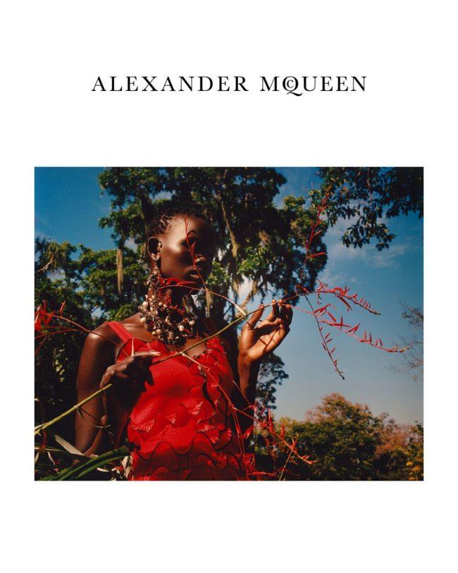 Alexander McQueen arruola Jamie Hawkesworth per la sua campagna SS 2018