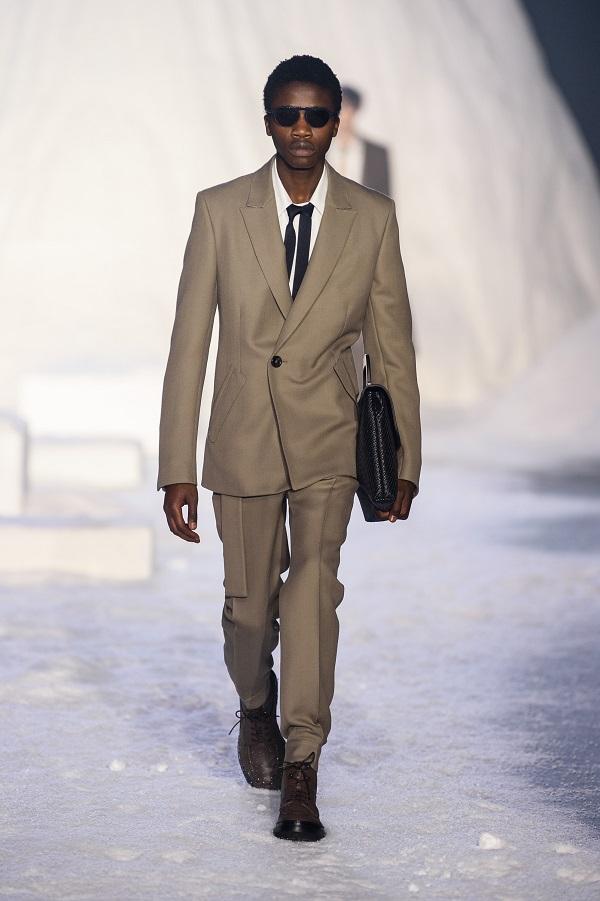 Ermenegildo Zegnasceglie la Bocconi per l'avvio di Milano Moda Uomo2018