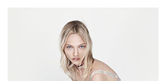 Dior SS18 Ad Campaign video con la modella Sasha Pivovarova