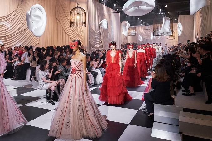 Dior porta la Haute Couture a Shanghai