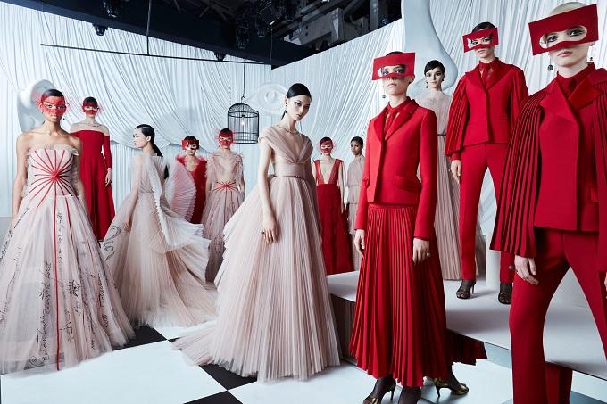 Dior, collezione Haute Couture primavera-estate 2018 a Shanghai