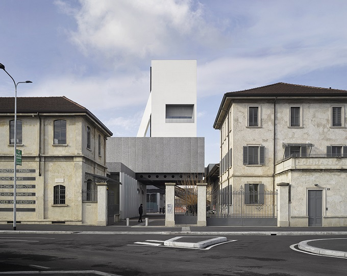 Fondazione Prada, apre la Torre di Rem Koolhaas