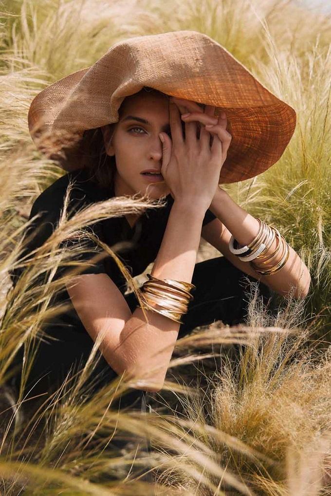 Glow Magazine Summer 2018 Maria Khlyvniuk byMara Lazaridou fashionpress.it
