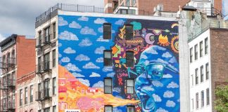 #GucciArtWall presenting murals in diverse cities dedicated to World Refugee Day.