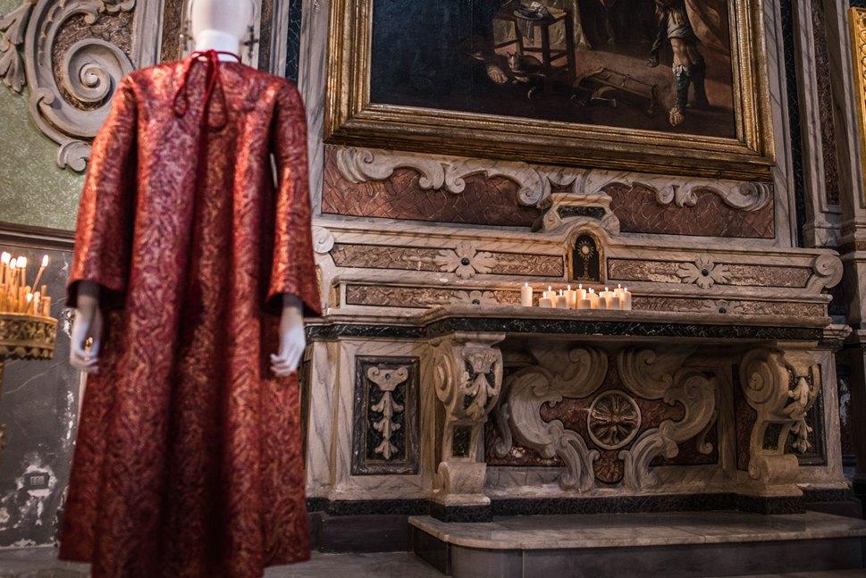 """Michele Miglionico High Fashion Exhbition """"Madonne Lucane. Vestiti che Profumano d'Incenso""""."""