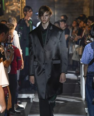 Raf Simons at Paris Fashion Week Men's SS 2019 fashionpress.it