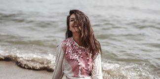 Il fascino della Sardegna nei costumi ChiGlo fashionpress