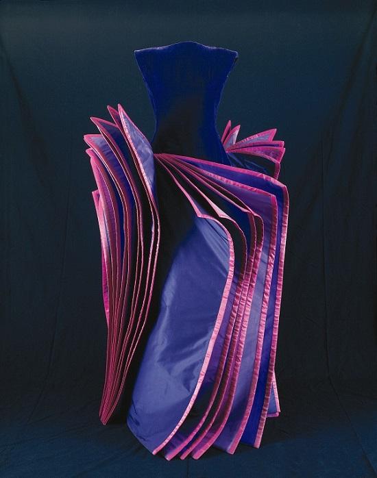 Roberto Capucci, Abito Fluorite, 1995, Foto di Fiorenzo Niccoli