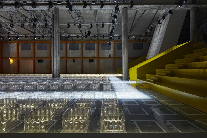 Cartesian Theatre, sfilata Prada Donna SS 2019