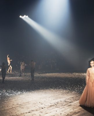 Dior opening Paris Fashion Week with a stunning dance performance