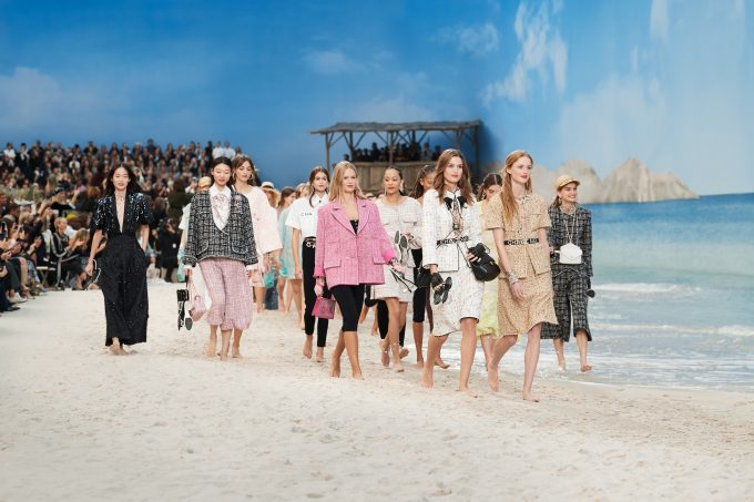 CHANEL transformed the Grand Palais into a dream beach fashionpress.it