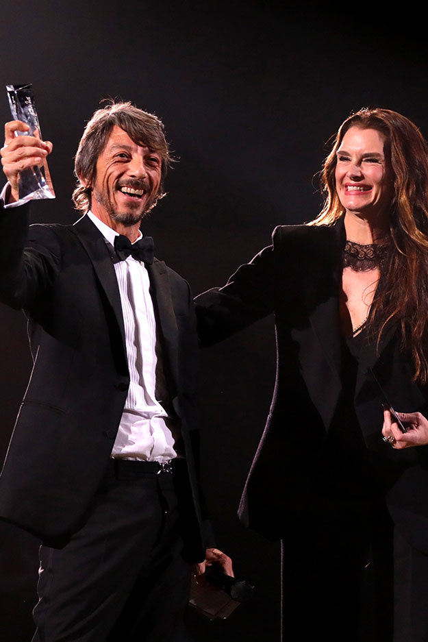 Pierpaolo Piccioli eletto Designer of the Year ai Fashion Awards 2018