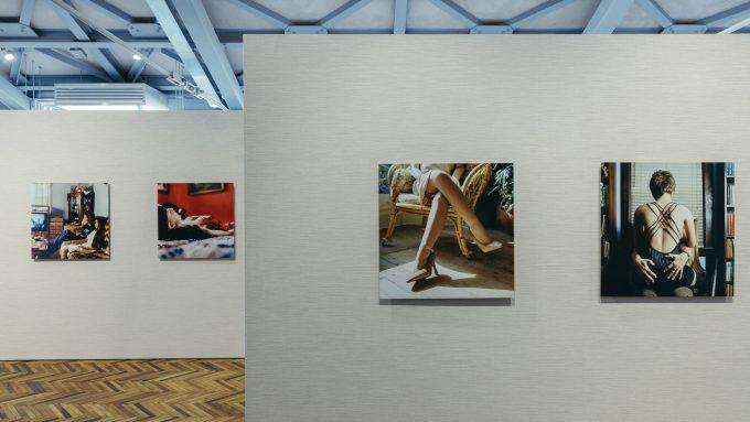 Surrogati. Un amore ideale: in mostra da Prada Osservatorio a Milano