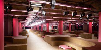 """Parlour"": Spazio Sfilata Prada Resort 2020"