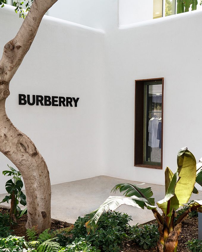 Burberry: il primo Pop Up Store a Mykonos