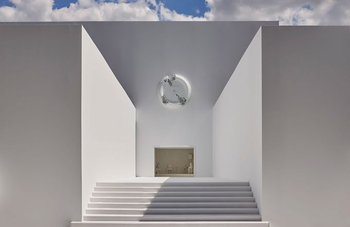 Dior Men Summer 2020 Daniel Arsham firma la scenografia spaziale