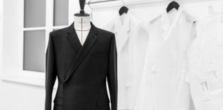 The Savoir-Faire behind the Tailleur Oblique Suit