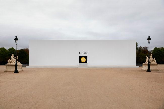 Dior SS21: the sensational show space in Paris by Italian visual artist Lucia Marcucci