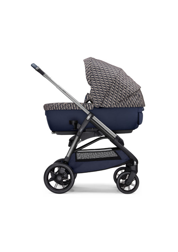 Baby Dior presents its first baby stroller, dressed in the unmistakable Dior Oblique print.