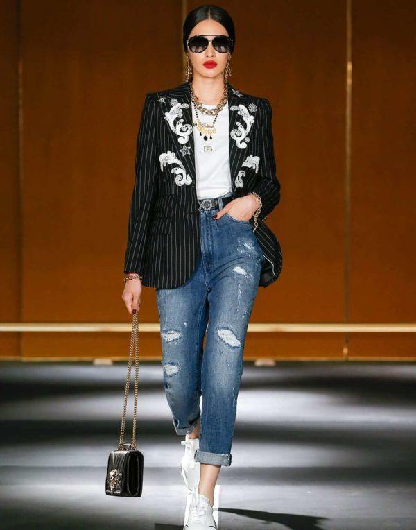 Dolce&Gabbana presents DGDigitalShow1 Walking in the Street