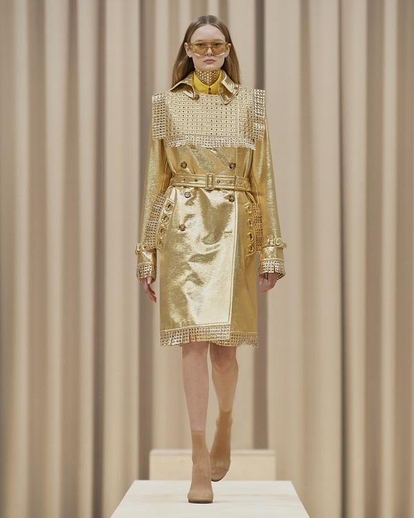 Burberry Autumn/Winter 2021 womenswear presentation by Riccardo Tisci