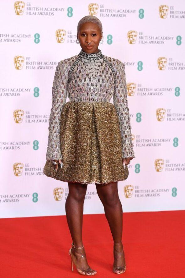 Phoebe Dynevor, Cynthia Erivo, Tahar Rahim, Ashley Madekwe, Gugu Mbatha-Raw hanno indossato look Louis Vuitton alla 74esima edizione dei Bafta.